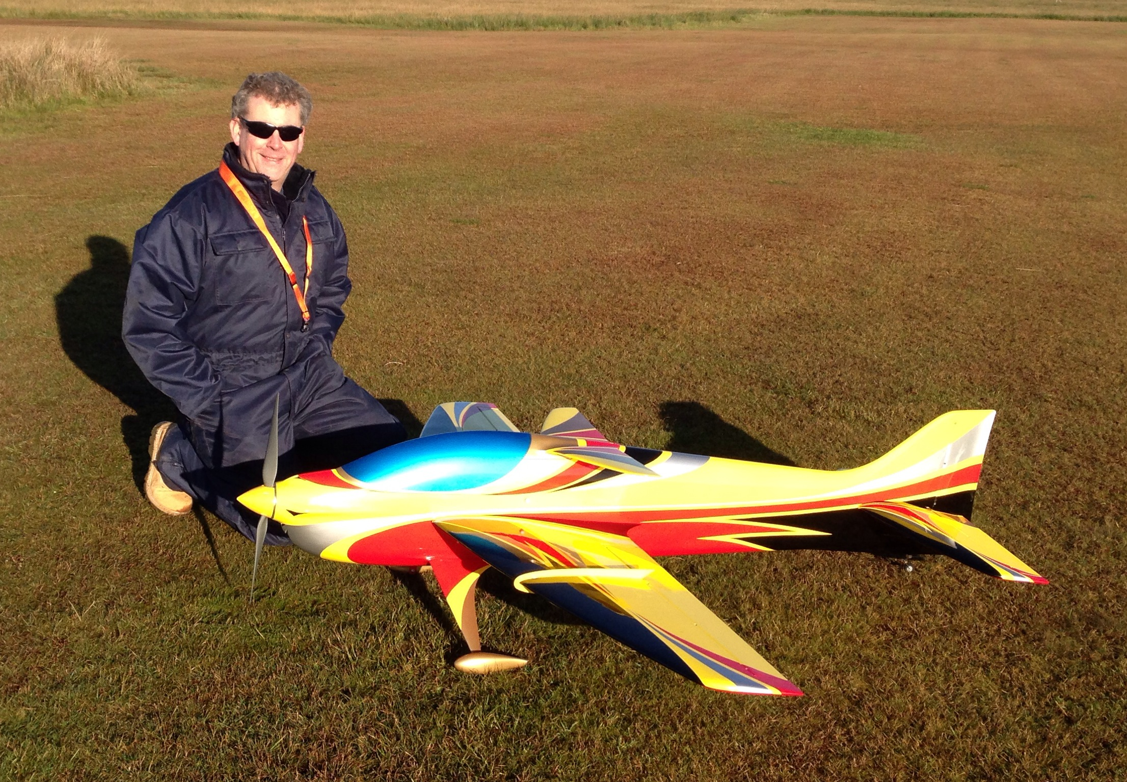 how to fly level with model aircraft